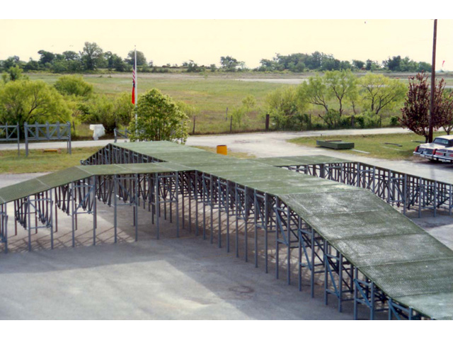 F R P Fabricated Platform with Molded Grating